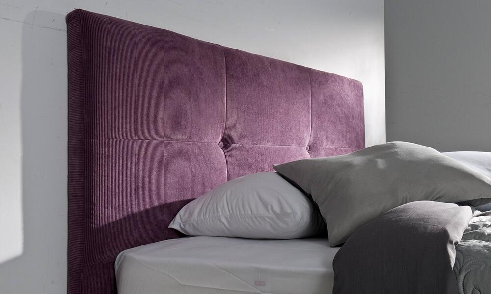 Cabecero de cama New Luxe de Conforama en color Ultra Violet