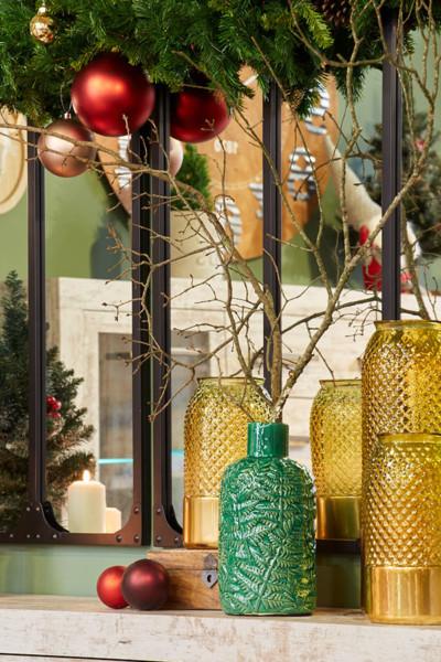 Dourado, verde e vermelho, cores do Natal clássico Conforama