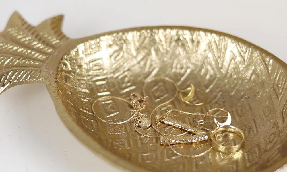 Centro de mesa PIÑA GOLD, el toque perfecto para tus comidas