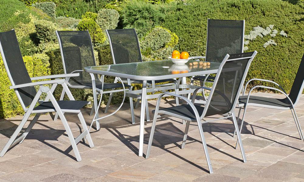 Moveis para jardim: mesas de terraço para desfrutar dos jantares de verão