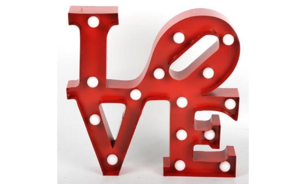 A letra com LED LOVE para azer umas surpresa ao seu namorado no quarto