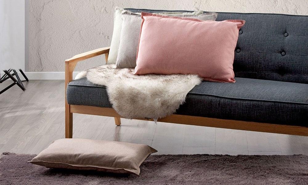 juegos de cojines para decorar sofa en color neutro