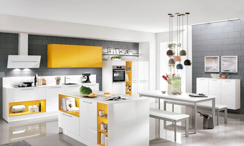 si no te decides por la cocina abierta o cerrada, la cocina semiabierta es una opción
