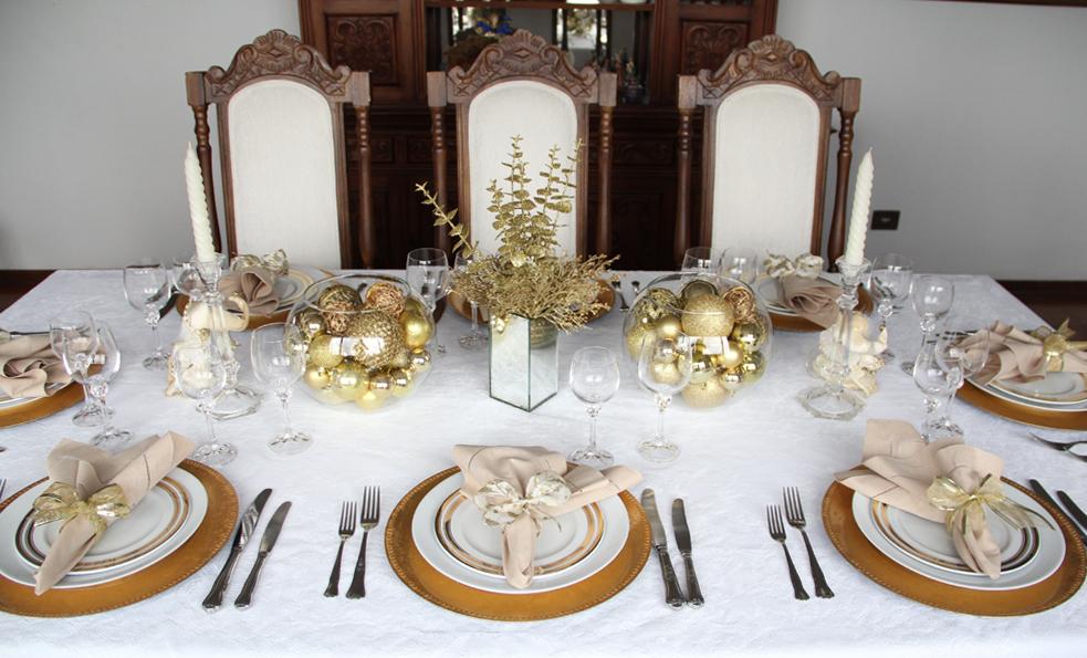 decoracao arvore de natal vermelho e dourado:Decoração de Mesas de Natal