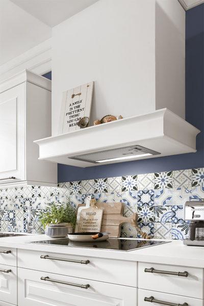Panel vinilado en la cocina