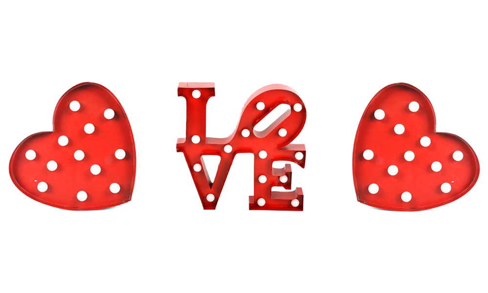 Dale un giro a la decoración del dormitorio en San Valentín Figuras LED