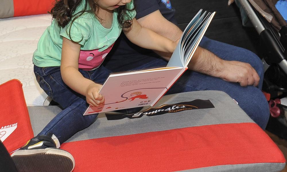 Los cuentos son una herramienta de ayuda muy útil para los padres