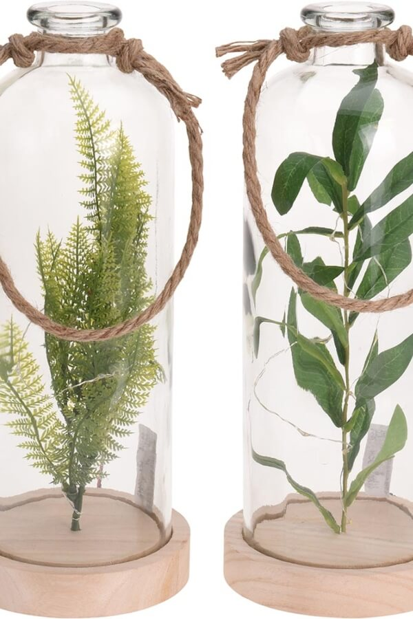 actualizar muebles de salon botellas decorativas con plantas artificiales en su interior