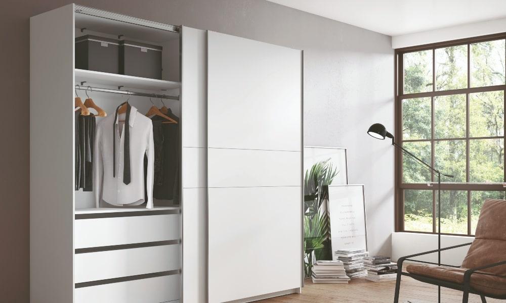 armario con imprescindibles de puertas correderas