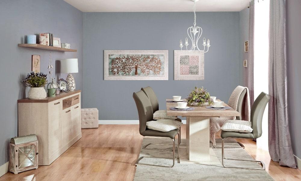 decoracion salon cuadrado acogedor en tonos neutros