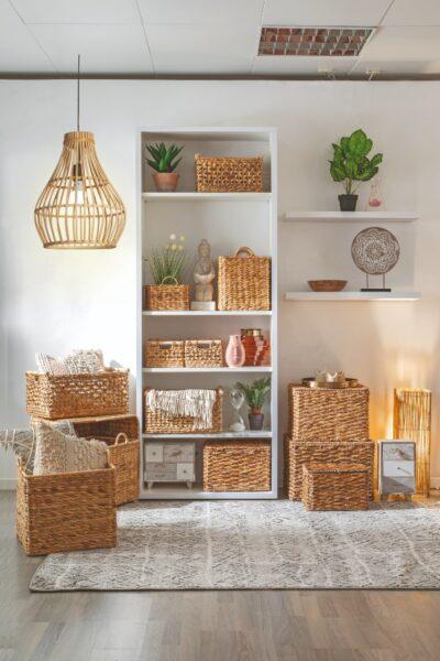 cestas de mimbre para decorar suelos de bambu